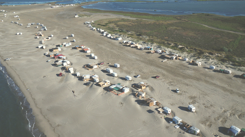 El Acceso A La Playa Piémanson Ha Sido Prohibido Para Los Campistas